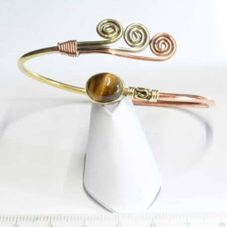 Bracelet 3 métaux avec une Oeil de tigre et Triple Spirales - N°6646