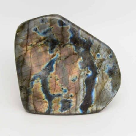 Labradorite-Menhir-N°7811..5-605gr-9×9,5×4,5cm-1