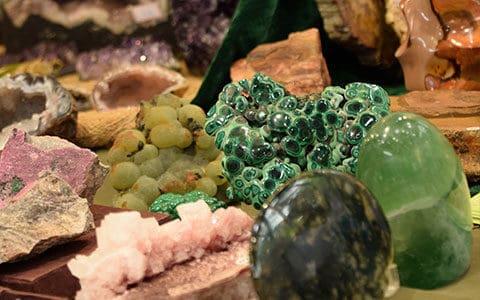 Diver minéraux sur le carouselle d'introduction