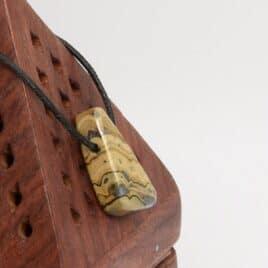 Sphalérite en pendentif – 13gr – 3,2×1,8×0,9cm – N°7906.1