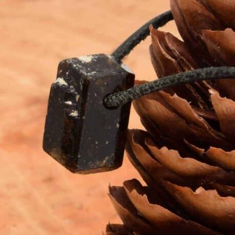 Tourmaline brune pierre percée pendentif vente