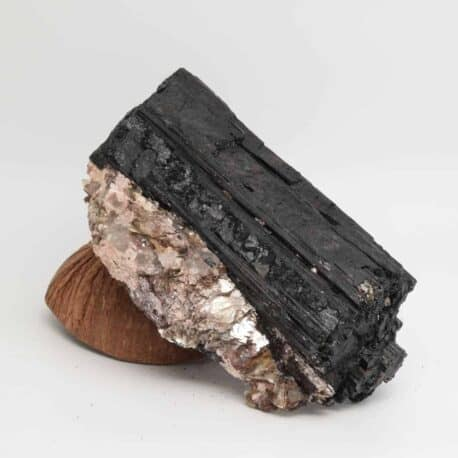 Tourmaline-noire-N°5202.2-1017-9x16x5cm-2