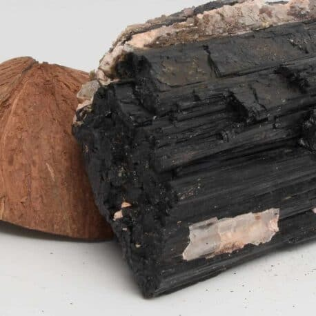 Tourmaline-noire-N°5202.2-1017-9x16x5cm-6