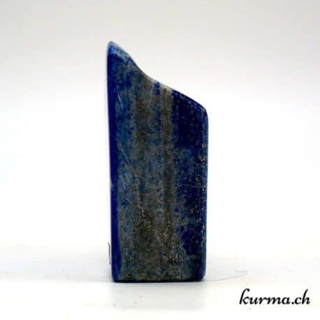 Vente en ligne de menhir pour harmoniser votre maison. Découvrez la diversité des pierres taillés de la boutique en ligne Kûrma. Votre spécialise en pierre et minéraux en Suisse