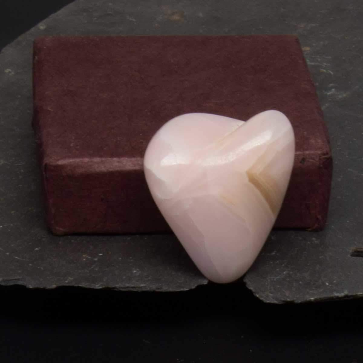 Manganocalcite en forme de coeur