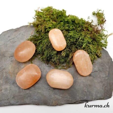 Découvrez la grande diversité de pierre en galet de poche de la boutique en ligne Kurma.ch. Un magasin spécialisé dans la vente de minéraux pour la lithothérapie et les soins énergétiques en Suisse. Notre boutique se situe entre Neuchâtel et la Chaux-de-fonds.