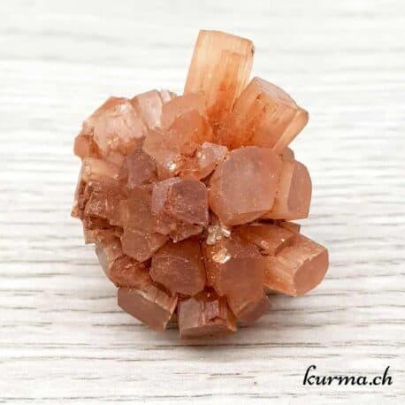 Acheter des minéraux au magasin kurma à Fontainemelon en ligne ou en boutique, pierres et fossiles pour thérapeutes et collectionneurs. Minéraux pour protection, équilibrage des chakras et nettoyage des lieux.