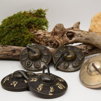Les tingsha(cymbales tibétaines), une invitation au «Sacré»