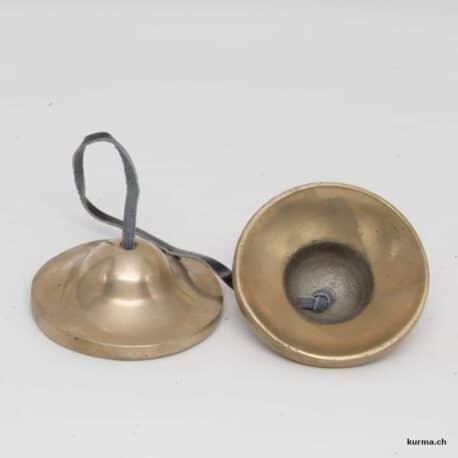 ting-sha argentée deux pièces en présentation
