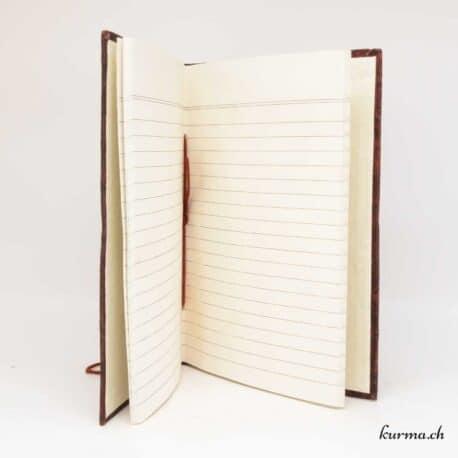 carnet de note avec des pages blanche lignées en papier naturel