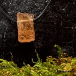 Cristal de Topaze impériale en pendentif