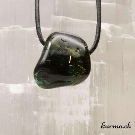 Tourmaline verte en pendentif