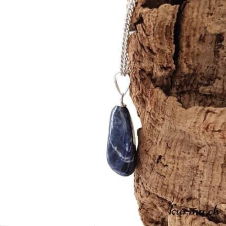 Pendentif de pierres semi précieuse fixée sur boucle en argent pour collier, bijoux, parurw ou lithothérapie, porte bonheur, en vente chez Kurma.ch, boutique de vente online de pierres et minéraux pour collectionneurs et thérapeutes