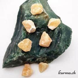 Calcite orange – Pierre brute de poche – 2.5 à 3.5cm – N°6955