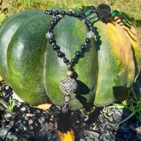 Collier en pierres de Spinelle noire et obsidienne dorée avec argent 925.