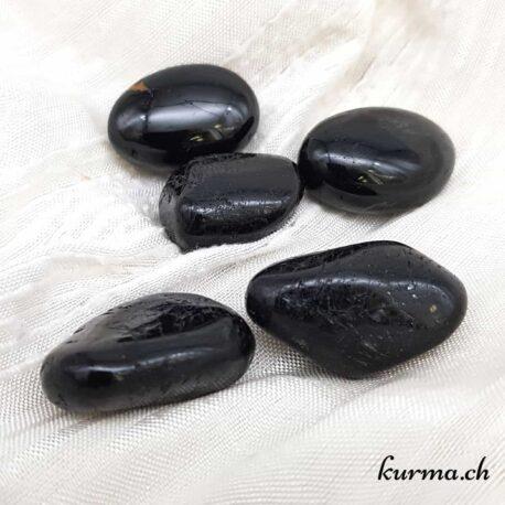 Acheter des pierres de soin pour la lithothérapie dans la boutique en ligne Kûrma. Vente aux particuliers et aux entreprises dans toute la Suisse et en Europe. Spécialisé dans l'importation de minéraux de qualité à petit prix