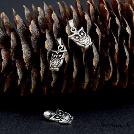 Magasin de matériel de création pour la bijouterie en ligne. Acheter des intermédières, perles en argent 925, fermoire, anneaux et toues les outils d'on vous aurez besoin pour créer vos bijoux. Livraison rapide dans toute la Suisse, France, Belgique et Allemagne