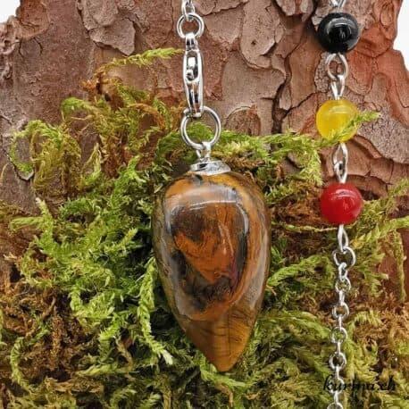 Pendule en pierre semi-précieuse en vente dans le magasin Kûrma. Acheter en ligne ou venez découvrir notre shop situer entre Neuchâtel et la Chaux-de-fonds. Livraison rapidement dans toute la Suisse, en France et en Belgique