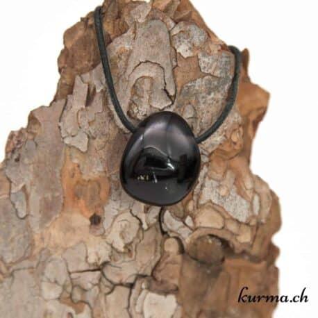 Acheter un pendentif en pierre dans la boutique en ligne Kûrma. Spécialisé dans des pierres de qualité directement importer depuis les artisans lapidaires. Sélectionner avec soins, vous pourrez les utilisés pour la lithothérapie