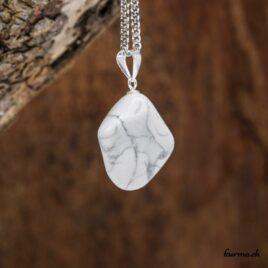Magnésite en collier avec boucle en argent