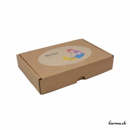 Acheter ce coffret pour enfants dans la boutique en ligne Kûrma. Il permettra à vos enfants de découvrir les énergies.  Kûrma est une boutique spécialisée dans des pierres de qualité directement importer depuis les artisans lapidaires.
