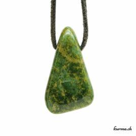 Jade néphrite – Pendentif pierre percée – N°8465.3